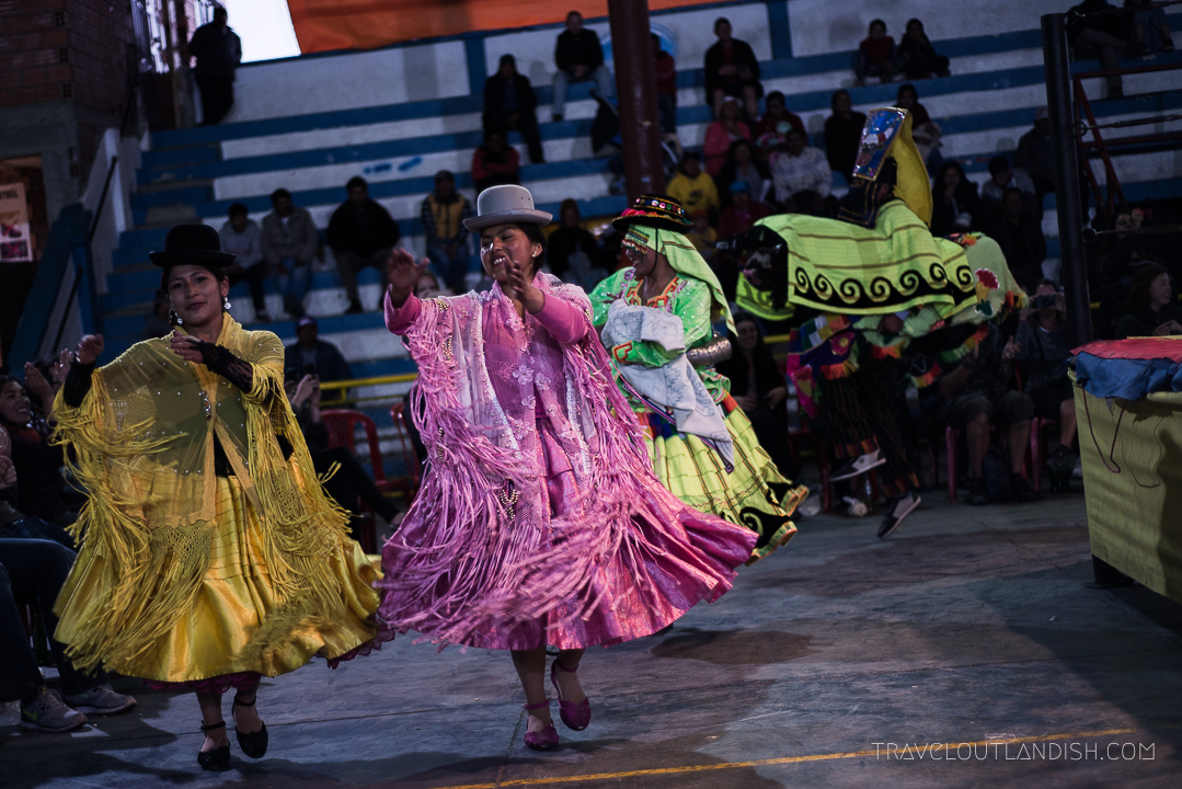 Cholitas Wrestling - A grand entrance