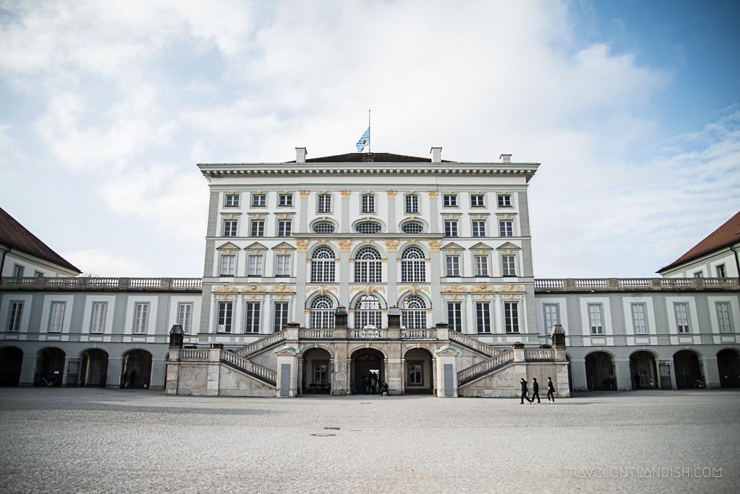 Munich Sightseeing Bus - Palace Nymphenburg