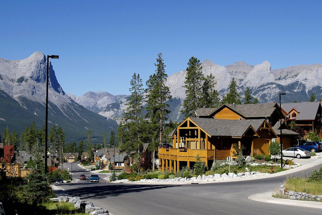 Photo of Canmore // Image by ArtTower from Pixabay