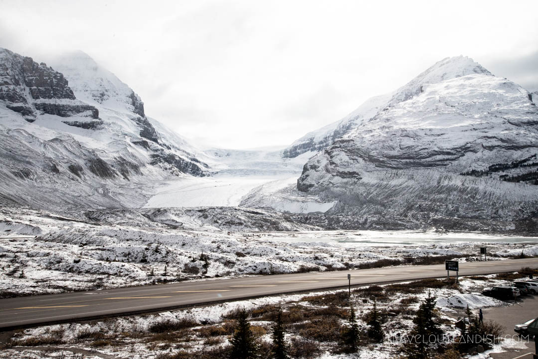 Driving the Icefield Parkway en route to Jasper National Park